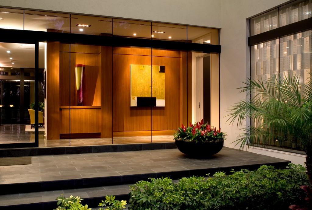 Exterior-Foyer---dusk